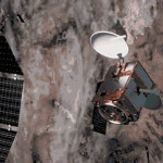 衛星は、米国ピッツバーグ州から560マイル(901)キロメートル上にあります。