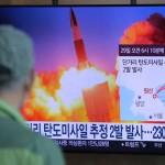 北朝鮮は日本海のウォンサン沿岸から2つの弾道ミサイルを発射した