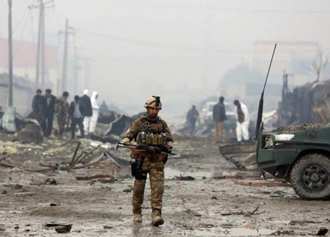 合計1,293人の民間人が最初の3か月の戦闘の影響を受け、そのうち760人が負傷し、残りは殺害されました。