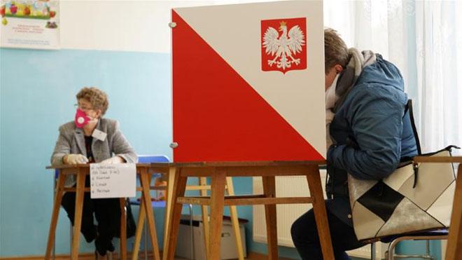 ポーランド政府は5月10日に予定されている選挙を発表した