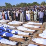 ナイジェリアのボルノ州にあるクワセベ村では、少なくとも43人が武装集団に首をかしげられています。