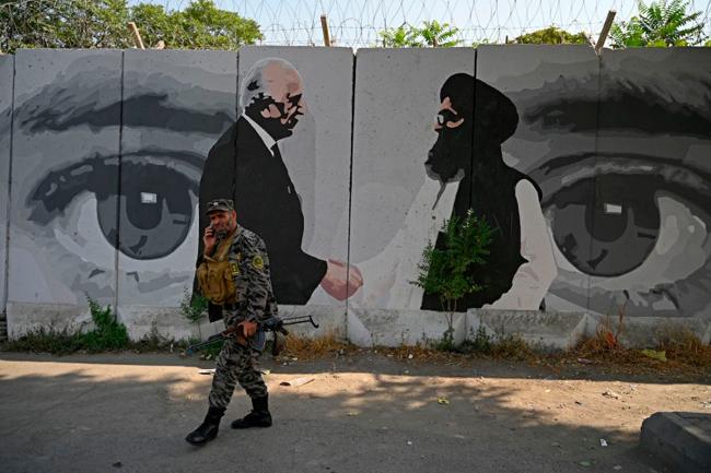 タリバンはバイデンにできるだけ早くアフガニスタンを去るように警告した