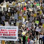 何百人もの人々が、米国のアジア人に対する暴力、人種差別的な攻撃、憎悪キャンペーンに抗議しました。