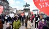 シリア難民がデンマーク政府に抗議している